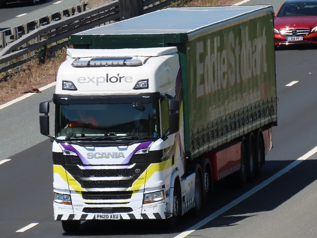 Explore, Scania R500 (PN20AXU) On The A1M Southbound