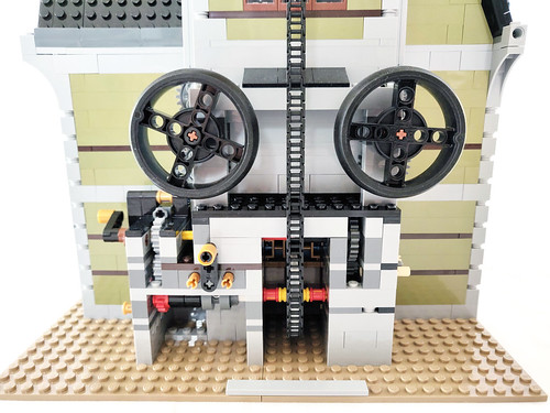 LEGO Fairground Collection Haunted House (10273)