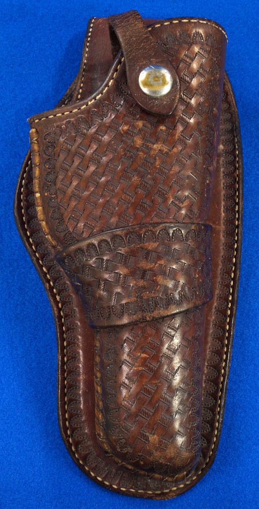 RD30377 Vintage Eubanks Brown Leather Basketweave Holster 820  4 DSC06299