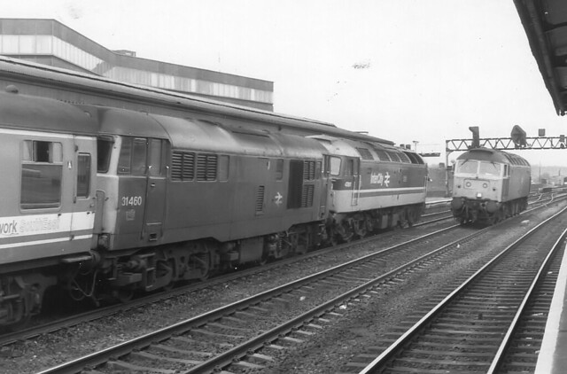 02496 31460, 47611 & 47589  Reading Station 17.04.1988