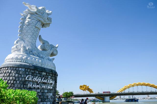 Carp&Dragon statue and  Dragon bridge