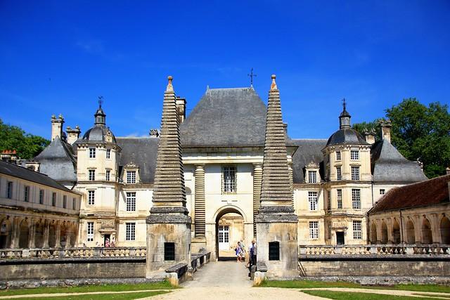 Tanlay Yonne Bourgogne France : Château Renaissance, Schloss aus der Zeit der Renaissance, Renaissance castle.