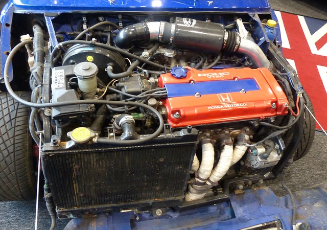 Mini Clubman custom blue engine 2