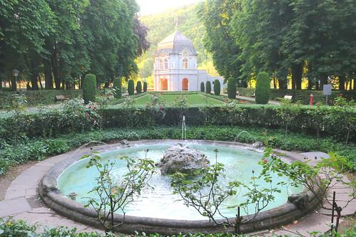 europe europa luxembourg luxemburg echternach parc park jardin garden garten pavillon rokoko rococo rokokopavillon coucherdesoleil sunset abendlicht sonnenuntergang lumière light licht