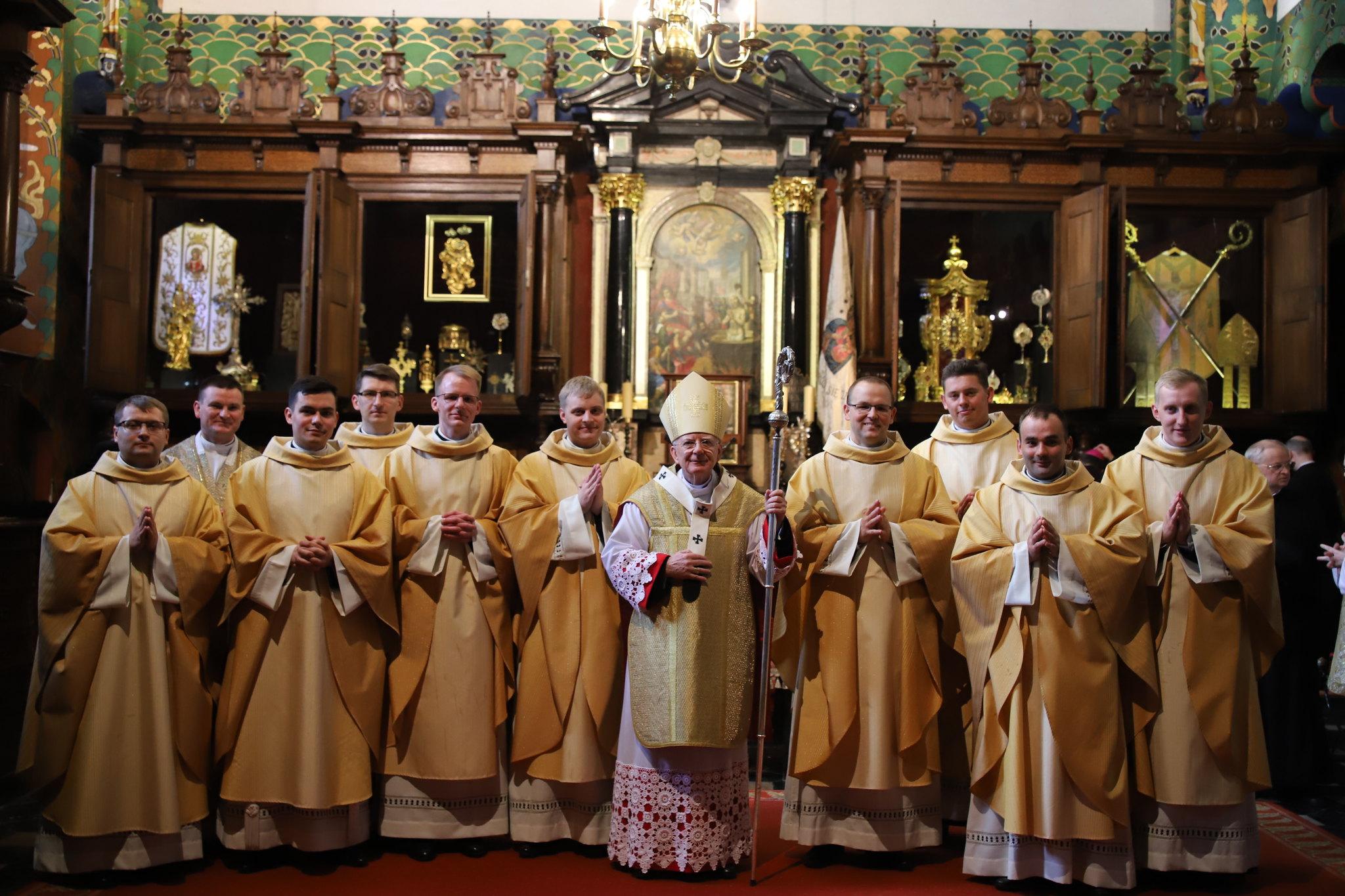 Święcenia prezbiteratu rocznika św. Zygmunta Gorazdowskiego w katedrze wawelskiej 30.05.2020