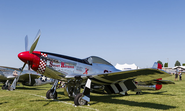 N68JR P-51, Oshkosh