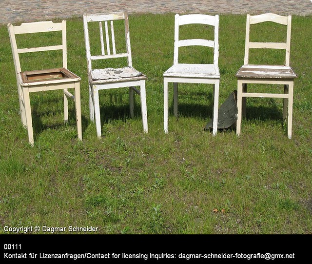 Vier Stühle | Four chairs