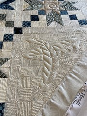 Double Arrow quilt pattern by Material Girlfriends https://material-girlfriends-patterns.square.site