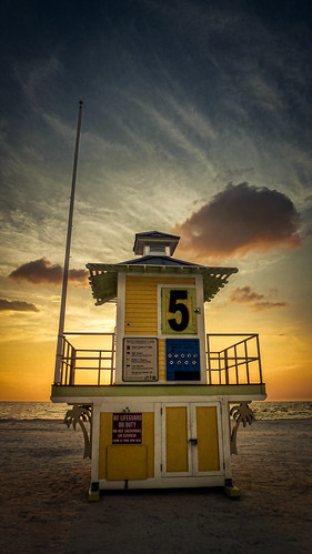 sunset florica clearwater panasonic lifeguard beach fun covid19 house water ocean sea cloud blue sky romantic sand gulfofmexico usa florida vacation swimming