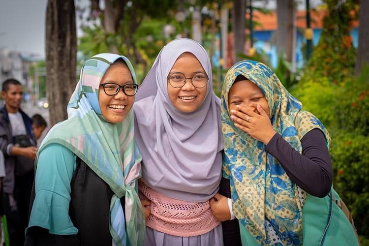 Pakaian muslim wanita sederhana