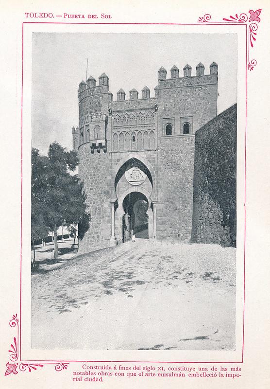 """Puerta del Sol  hacia 1910. Publicada en """"Portfolio Fotográfico de España (cuaderno nº 3)"""" por Alberto Martín a iniciativa de Ceferino Rocafort"""