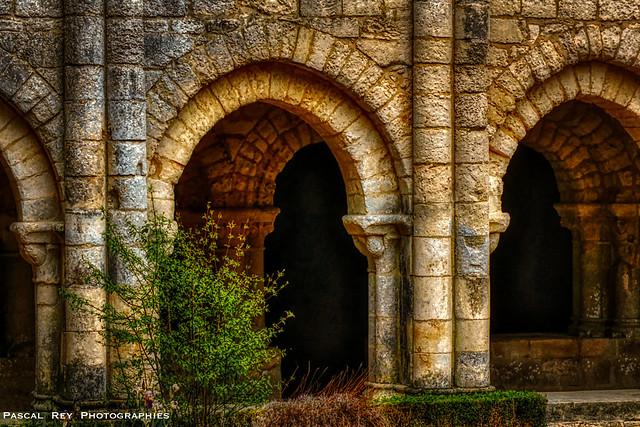 l'Abbaye de Nieul sur l'Autise.