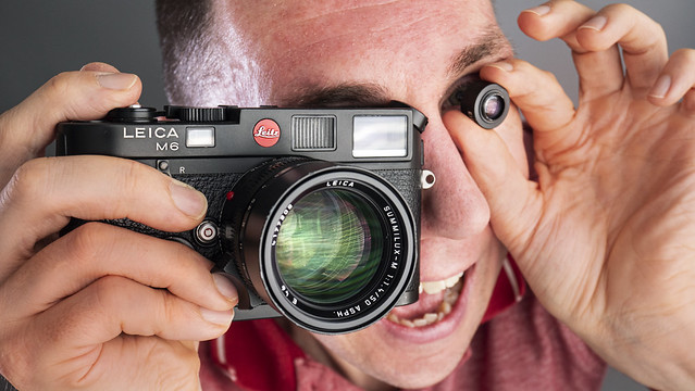 YouTube: Leica Viewfinder Magnifier 1.4