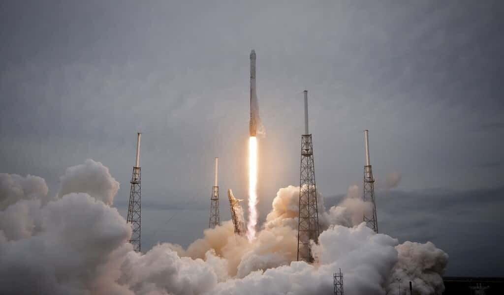 SpaceX-lancement-réussit-de-la-crew-dragon