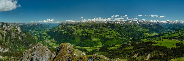 Panorama sur le Siemmental (Switzerland)