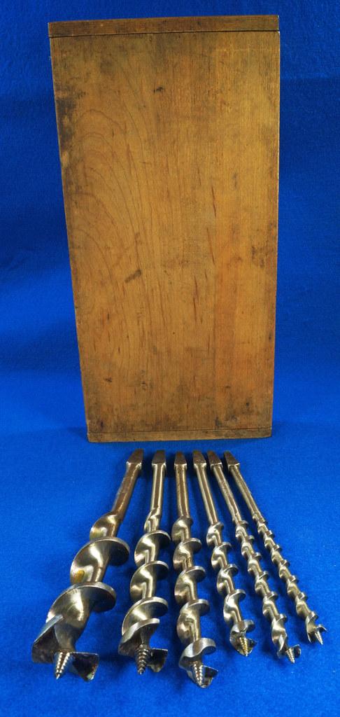 RD16491 Antique Wood Box with 6 Auger Drill Bits Shapleighs #16,  Irwin D-24 #5, Irwin D-24 6, Irwin Grade D #10, USA #12 & USA #8 DSC06405