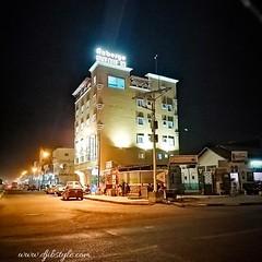 Djib by Night #28, Avenue 13 . . . #travelphotography #travel #Djibouti #nightlife #Night #whereisthisplace #Eastafrica #Africa #Djibstyle_mag #Balade #sortie #Summer #nightwalk