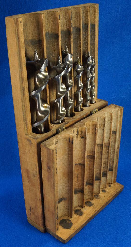 RD16491 Antique Wood Box with 6 Auger Drill Bits Shapleighs #16,  Irwin D-24 #5, Irwin D-24 6, Irwin Grade D #10, USA #12 & USA #8 DSC06403