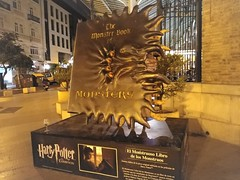 Harry Potter - El Monstruoso Libro de los Monstruos