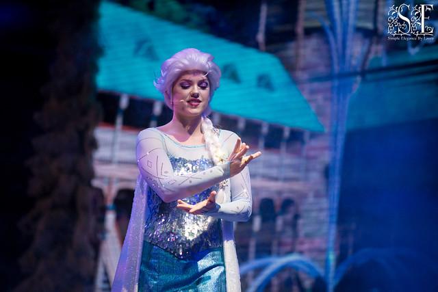 Elsa Prepping Her Magic