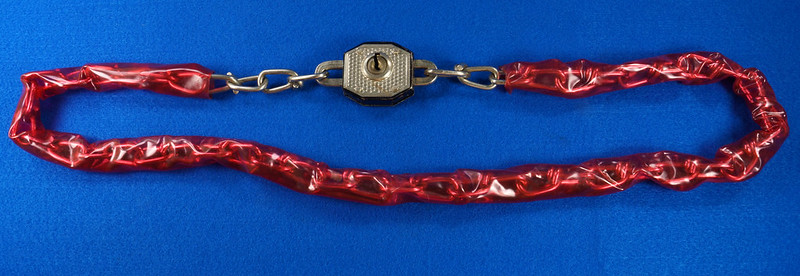 RD20688 Vintage Walsco Bike Chain Red Plastic Covering 32 inch DSC06442