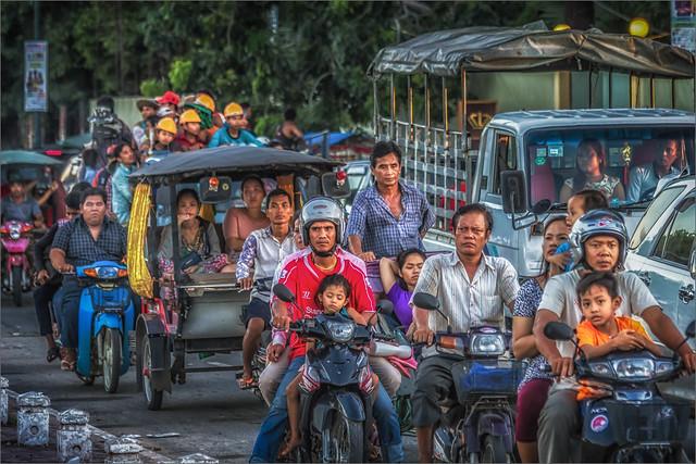 Rush hour in Phnom Penh #02