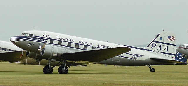 Douglas DC-3 NC33611