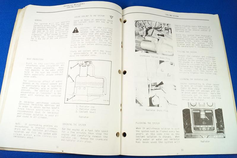RD24449 Vintage Case International 384 Tractor N.A.O. Operators Manual 1093403R3 DSC06538