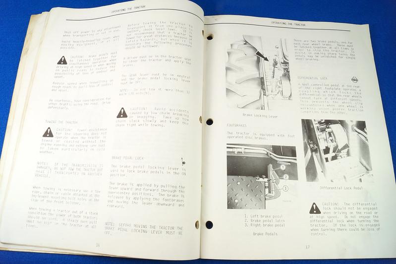 RD24449 Vintage Case International 384 Tractor N.A.O. Operators Manual 1093403R3 DSC06537
