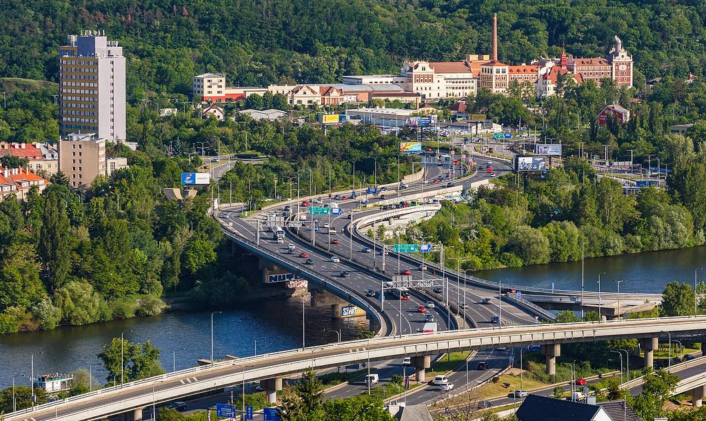 Barrandovský most, Branický pivovar