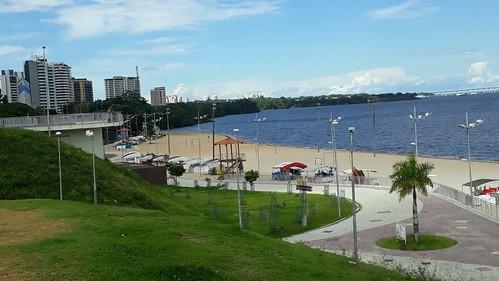 31.05.20. Ponta Negra interditada recebe reforço da PM e Guarda Municipal para fiscalização