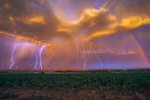 storm story stormy landscape scape skyscape sky clouds cloud colorful color colors lightning thunder rain rainy washington easternwashington pasco northwest pacificnorthwest field