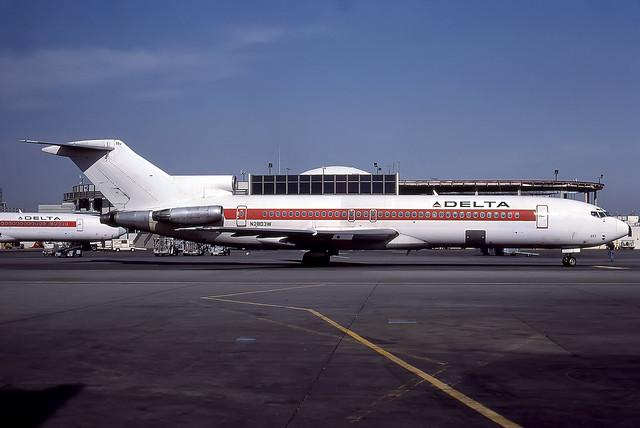 N2803W - Boeing 727-247 - Delta - KLAX - Apr 1987