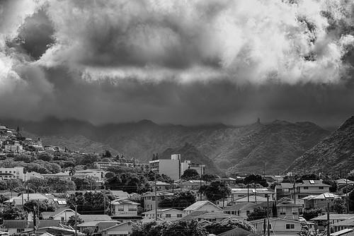 quarantine coronavirus monochrome black white honolulu hawaii oahu clouds pentaxk1 smc pentaxfa 80200mm f28 palolovalley wilhelminarise stlouisheights koolaumountains rain