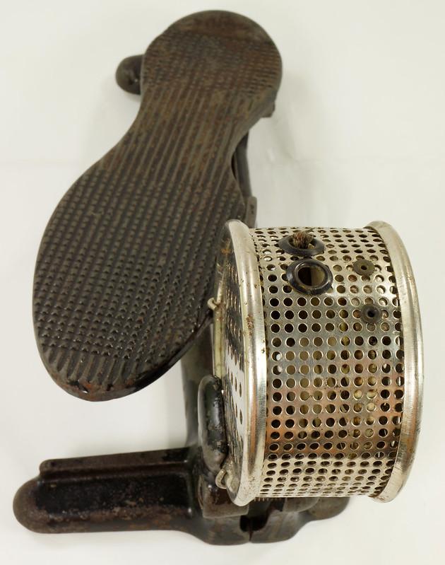 RD26450 Antique Cast Iron Foot Control Pedal Lathe Drill Tool Sewing Machine Rheostat DSC06723