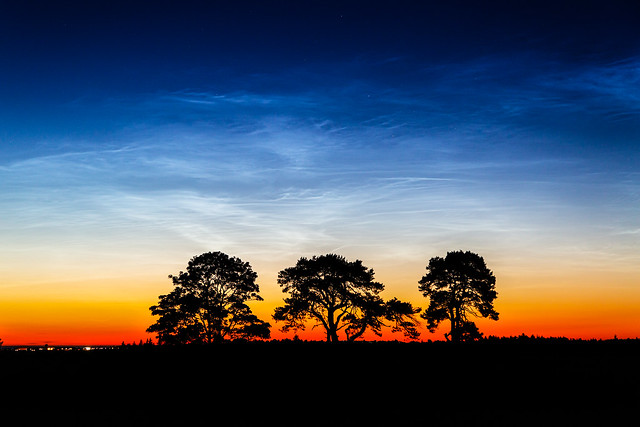 Noctilucent Clouds 2020 June 01 - 00:34 UT