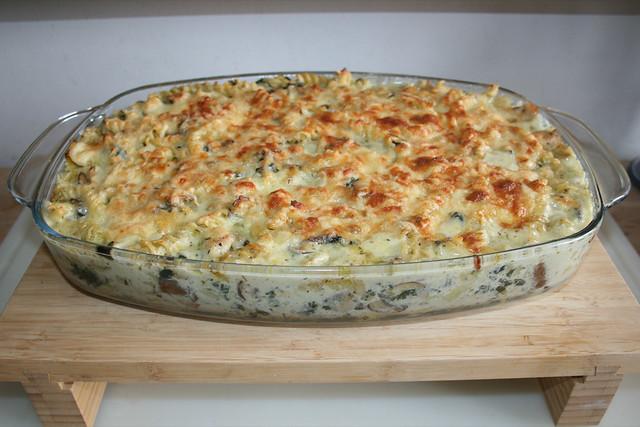 46 - Chicken Alfredo Pasta Bake - Finished baking / Alfredo Nudelauflauf mit Hähnchen - Fertig gebacken