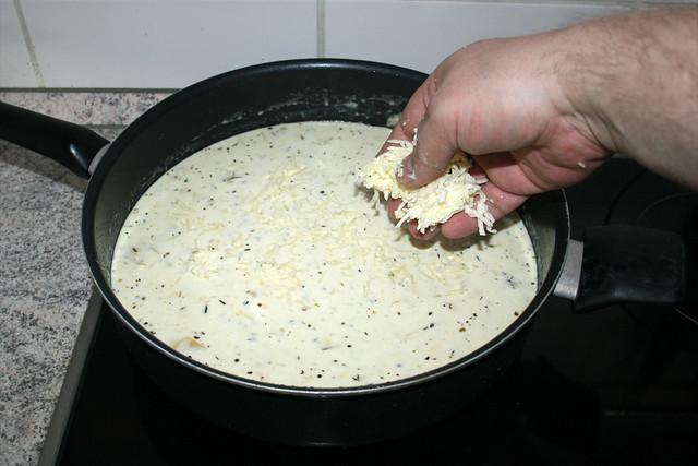 31 - Mozzarella dazu geben / Add mozzarella