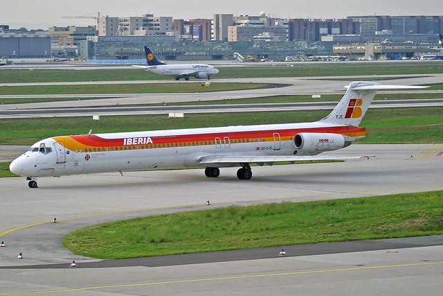 Iberia McDonnell Douglas MD-88 EC-FJE