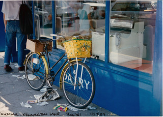 Bicycle, Shop, Kennington Lane, Vauxhall, 1989 TQ3078-005