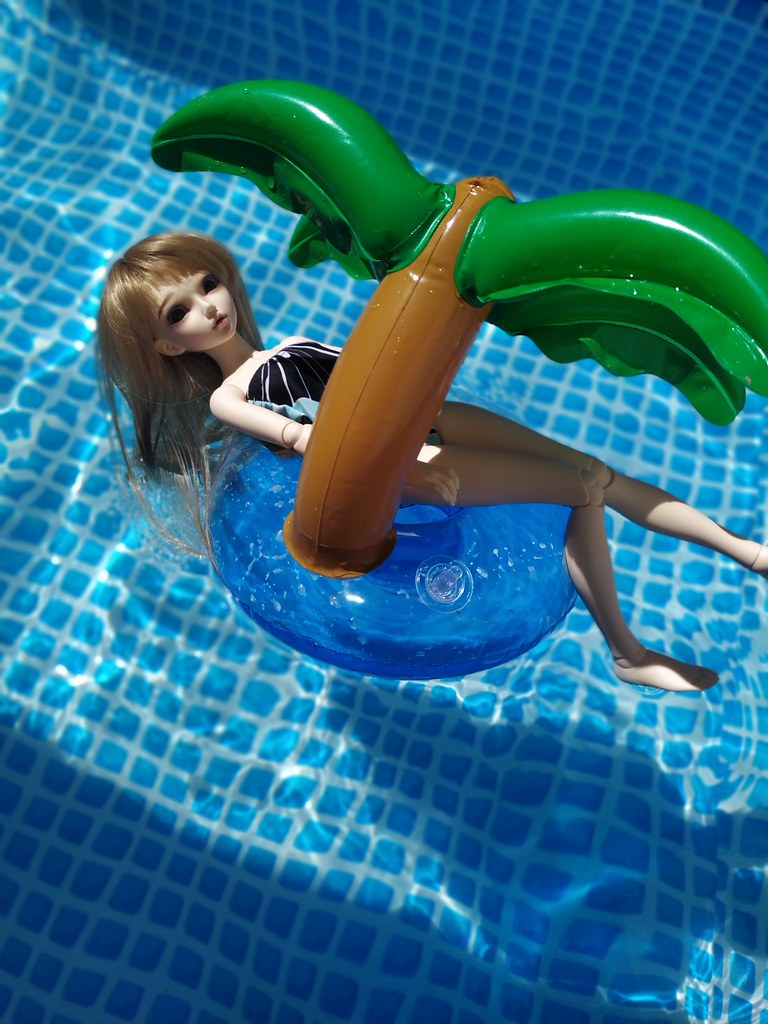 [Mnf Chloé & DOD Duncan] - Après-midi piscine 49959437681_54bd6c3401_b