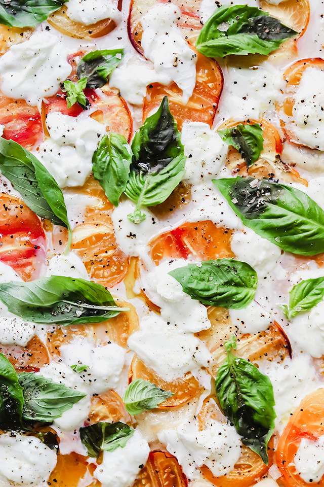 Heirloom Tomato Margherita Pizza