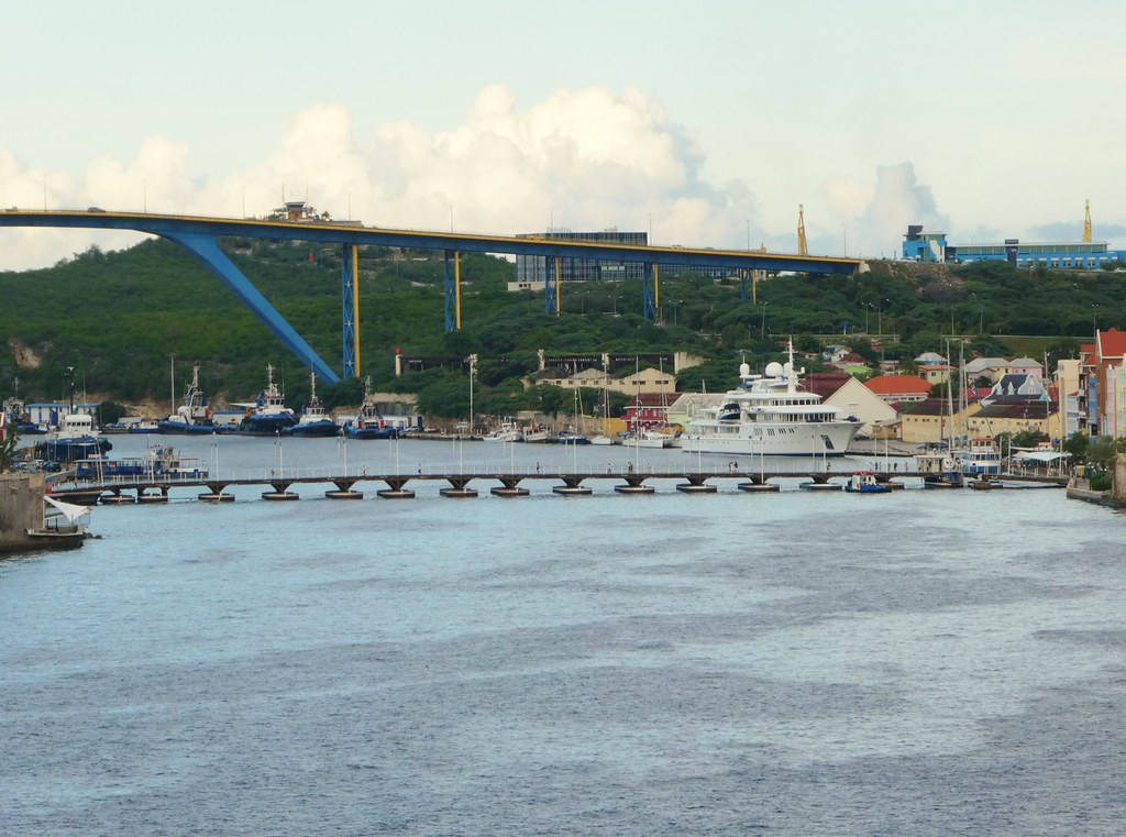 Willemstad, Curaçao - Queen Emma Bridge
