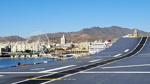 Málaga desde la cubierta de un portaaviones!!!