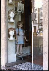 Heads & Dummy, Shop,Streatham High Rd, Streatham, 1990TQ3072-010