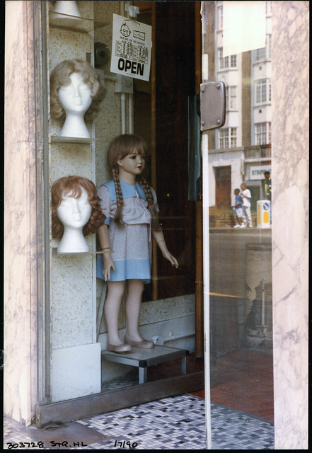 Heads & Dummy, Shop,Streatham High Rd, Streatham, 1990TQ3072-010
