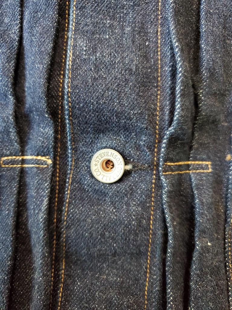 Button/Pleats