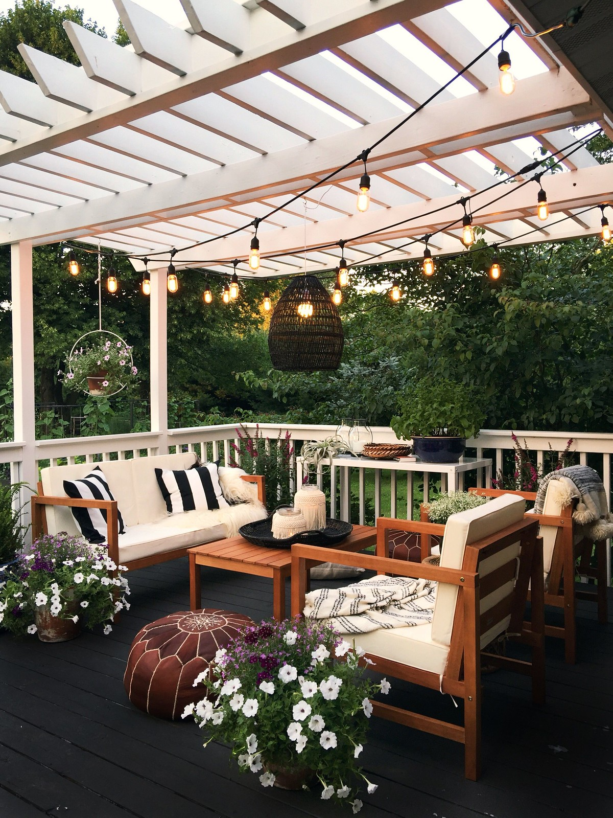Outdoor Patio Ideas | Outdoor Decor | Outdoor Oasis Deck | Super Chic Backyard Ideas | Outdoor Space Inspiration | Dream Backyard | 5 Tips for Creating a Cozy Outdoor Oasis at Your Home | Backyards that Inspire Me | Terrace | Porch | Patio Renovation | Patio Remodel | Best Decorated Decks on Pinterest | Boho Patio Inspiration | Outdoor Furniture Inspiration | Modern Neutral Outdoor Decor | | Deck with Pergola