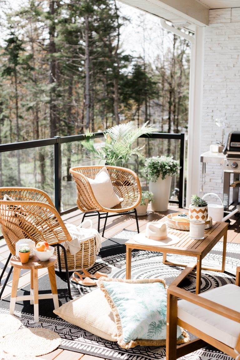 Outdoor Patio Ideas | Outdoor Decor | Super Chic Balcony Ideas | Outdoor Space Inspiration | Dream Backyard | 5 Tips for Creating a Cozy Outdoor Oasis at Your Home | Outdoor Patios that Inspire Me | Balcony | Deck | Terrace | Porch | Lanai | Patio Renovation | Patio Remodel | Best Decorated Small Outdoor Balconies on Pinterest | Small Patio Decor Ideas | Boho Apartment Patio Inspiration | Outdoor Furniture Inspiration | Cozy Neutral Outdoor Decor