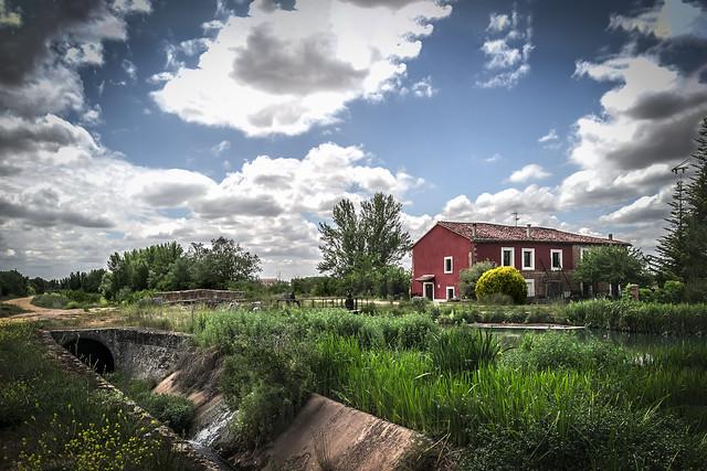 Ciri, Turismo Rural,  en la orilla del Canal